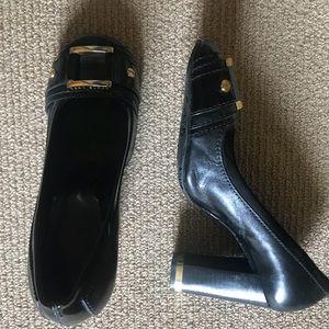 Tori Burch Closed Toed Heels